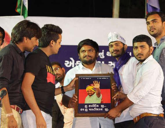 8-at morbi sabha hardik patel says he is agent of people