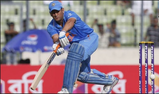 2-vvs laxman and ajit agarkar said that team india should give chance to new cricketers instead of ms dhoni in t20