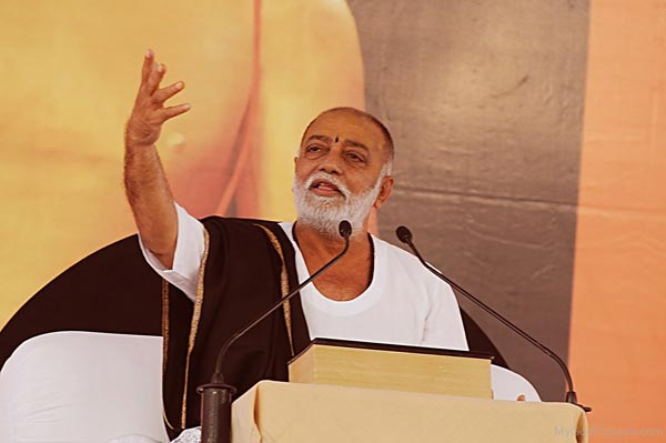 Photo-Of-Morari-Bapu-Ji