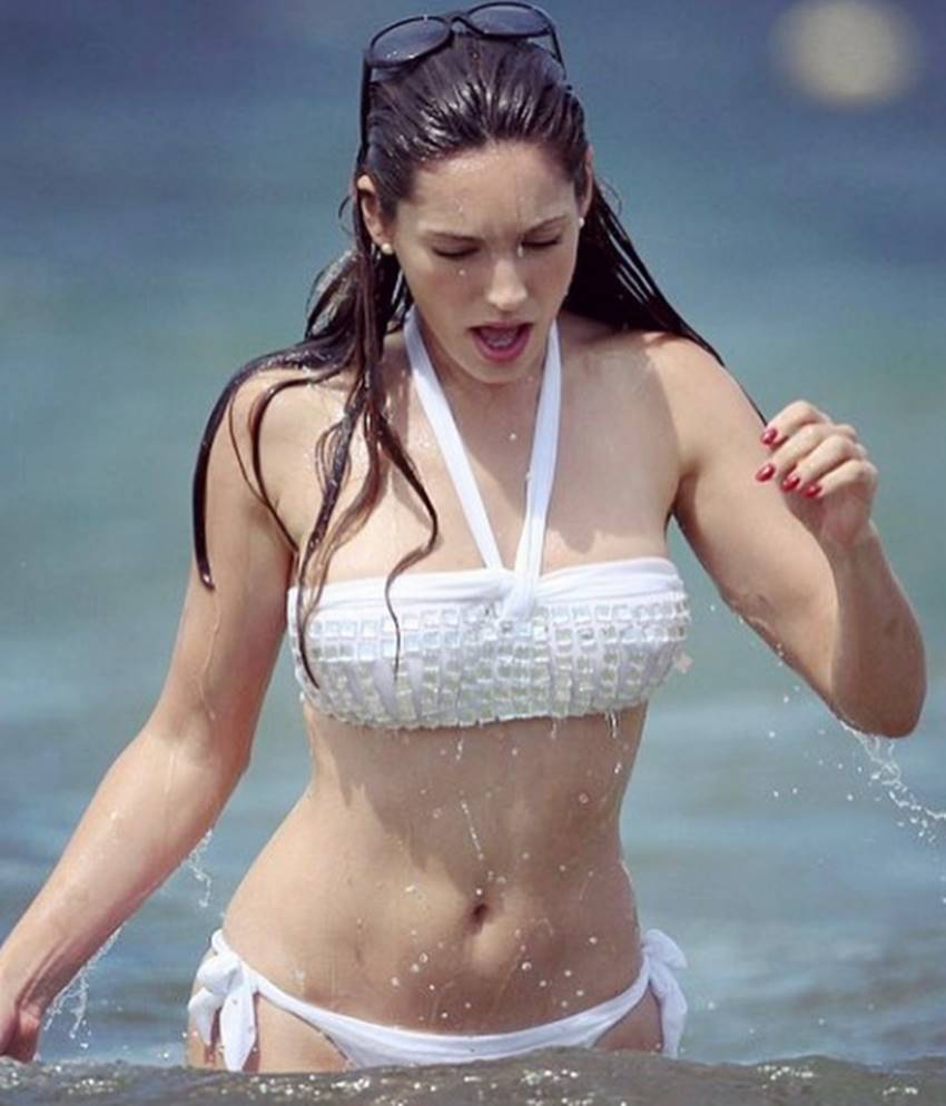 2-scientists claims kelly brook worlds most perfect woman see her photos