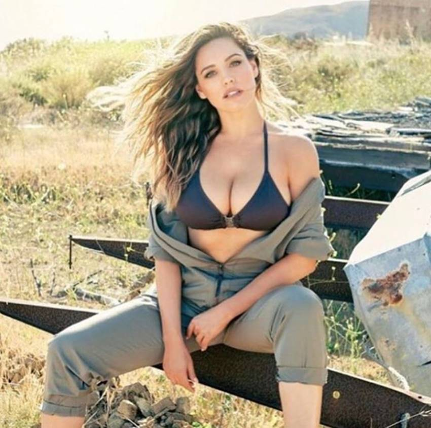 9-scientists claims kelly brook worlds most perfect woman see her photos