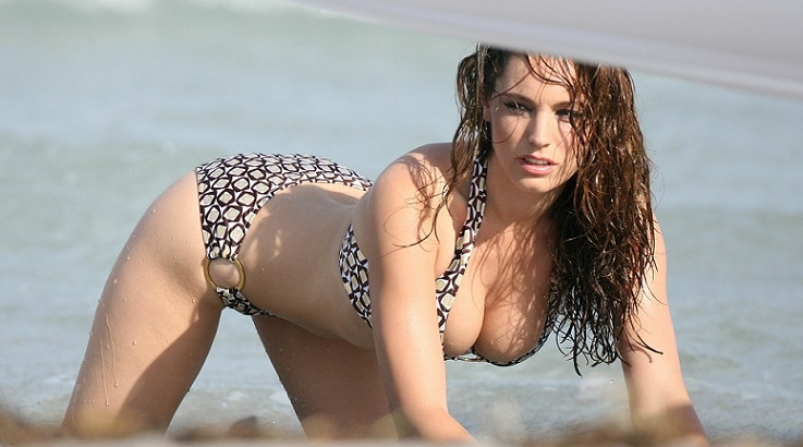EXCLUSIVE: Kelly Brook shoots her calendar on a beach at Key Biscayne near Miami