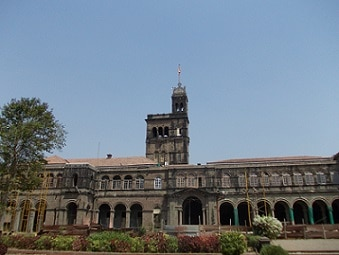 4-pune university issued a circular that lists being vegetarian as criteria for gold medal