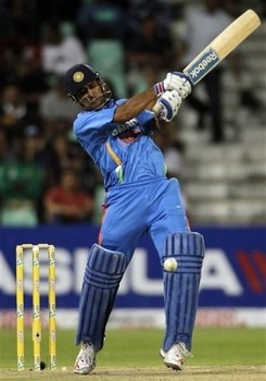 2-ms dhoni trademark helicopter shot youngsters team india ms dhoni cricket academy dubai