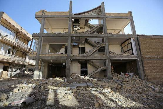 4-pictures of deadliest earthquake of 2017 iran and iraq face huge damage