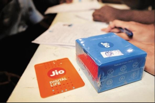 3-jio announces triple cashback offer for jio prime members