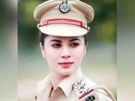 વાયરલ થઈ આ મહિલા 'પોલીસ'ની તસવીર, જાણો તેની પાછળનું સત્ય...