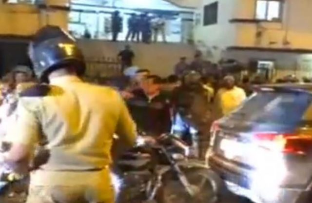 5-gujarat poll paas protest surat police detaing paas workers congress leaders