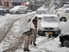 પહાડી રાજ્યોમાં ભારે બરફવર્ષા, કેટલીક જગ્યાએ મેદાની વિસ્તારોમાં ઠંડી વધી