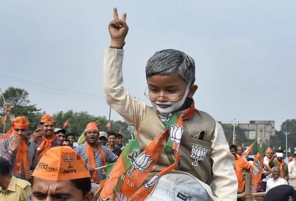 ગુજરાત વિધાનસભા ચૂંટણી 2017:  સુરત જિલ્લાની 16માંથી  15 બેઠકો પર ખીલ્યું કમળ