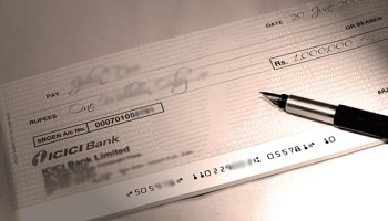 2-customer deposits a 5 paise cheque to close credit card