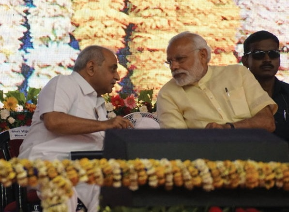 3-nitin-patel-seat-on-vijay-rupani-chai-to-talk-with-pm-modi