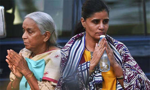 jadhav mother and wife