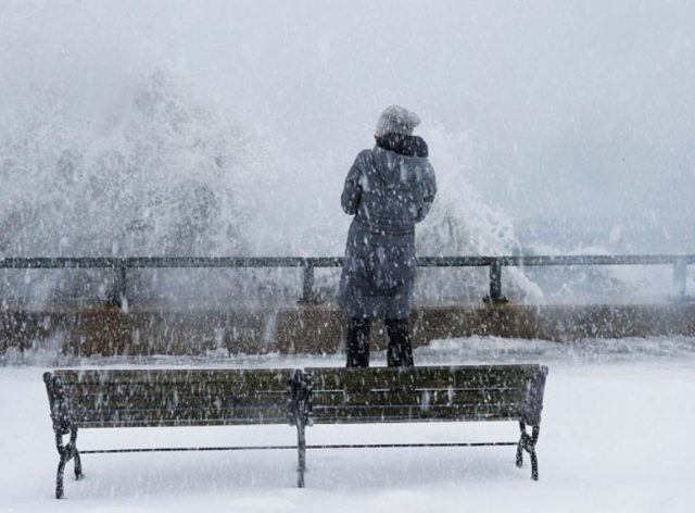 3-Brutal cold spell grips US east coast after 'bomb cyclone' hits