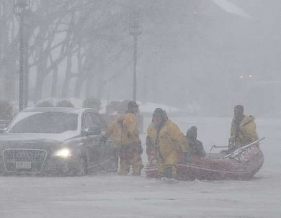 14-Brutal cold spell grips US east coast after 'bomb cyclone' hits