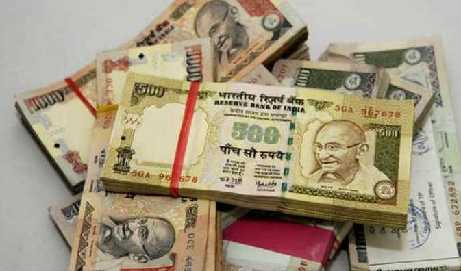 1-utlets that will accept rs 1000 and rs 500 notes in next 72 hours
