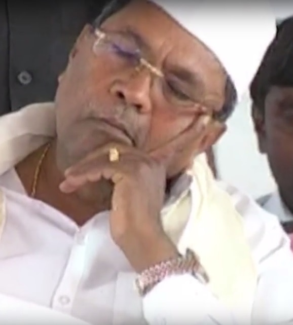 2-Twitter in splits after Karnataka CM Siddaramaiah dozes off on stage yet again