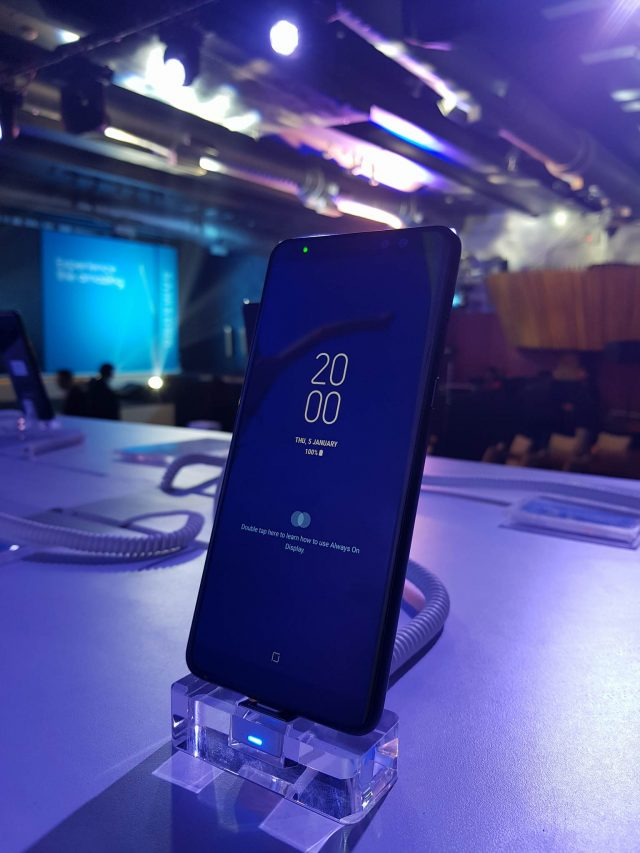 6-gadgets samsung launches galaxy a8 plus