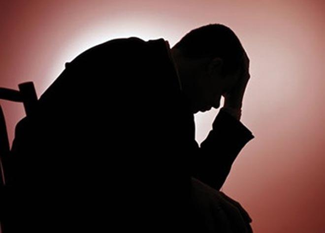 3-Man hangs himself over wife's extra-marital affair