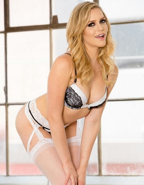 9-unknown facts about adult star mia malkova entring in bollywood