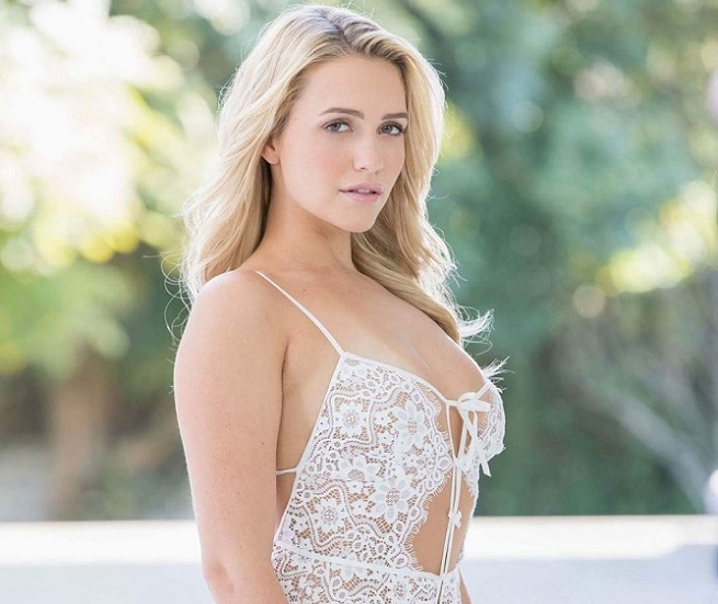 11-unknown facts about adult star mia malkova entring in bollywood