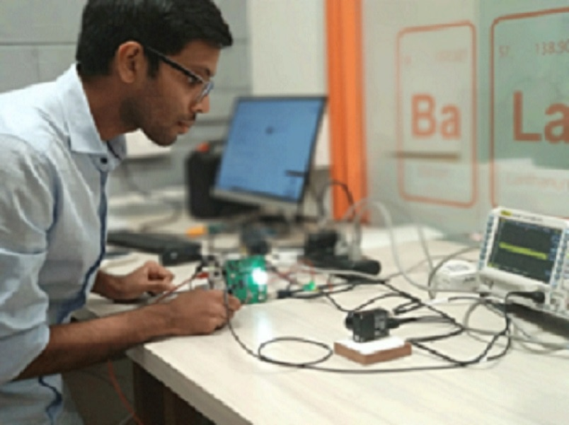 1-forget wi fi this startup tech can power the internet using light bulbs and is 100 times faster