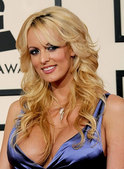 10-Trump's lawyer arranged $130,000 payment to porn star to keep her quiet about alleged sexual encounter