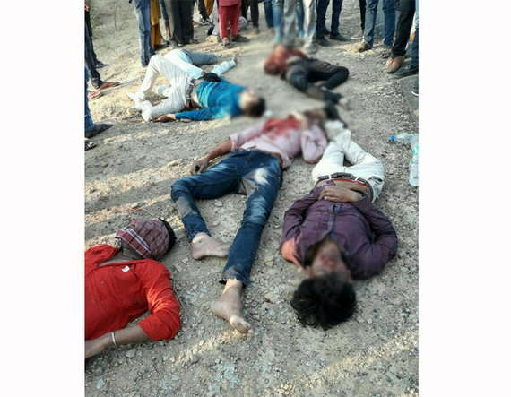 2-Nine killed in road accident in loriya-bhuj