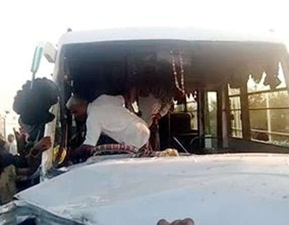 9-Nine killed in road accident in loriya-bhuj