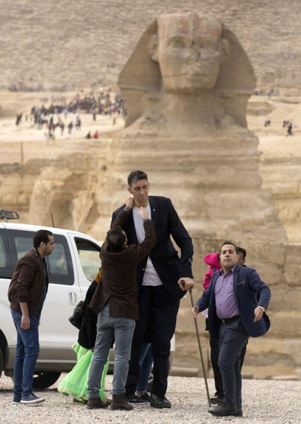Egypt Worlds Tallest Man