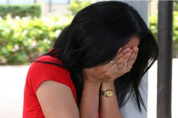 girl-crying-36111221212
