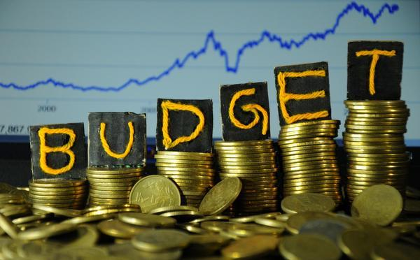 1-things that becomes cheaper and expensive in budget 2018