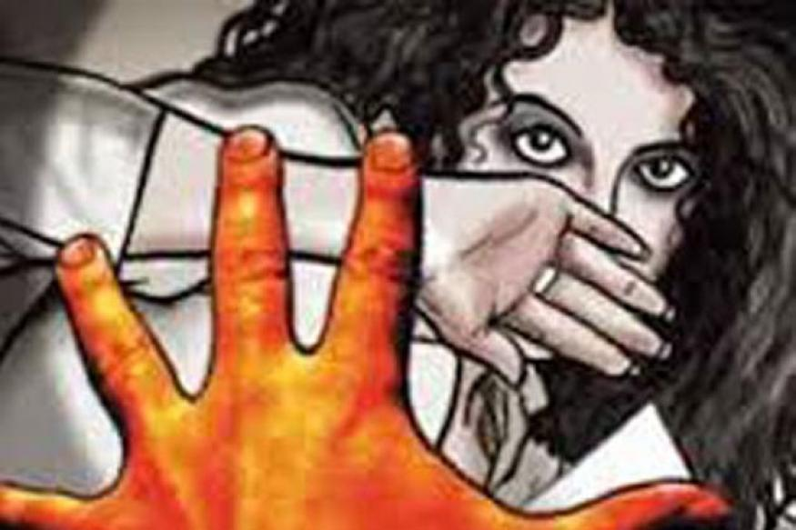 2-civil defence jawan rape a student, blackmail her with intimidation to show photos in vadoda