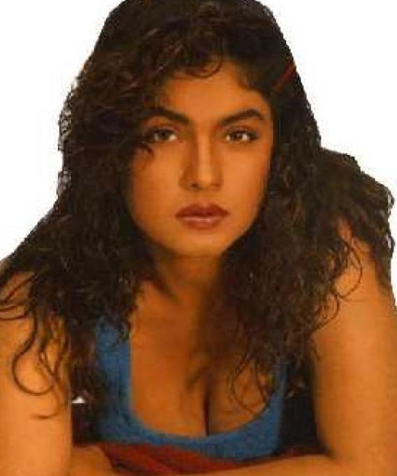 Pooja Bhatt 05