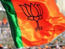 ગુજરાત ભાજપનાં ક્યાં મહિલા ધારાસભ્ય સામે સર્વિસ ટેક્સની ચોરીની ફરિયાદ નોંધાઈ ?
