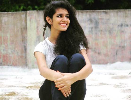14-looked actress priya prakash warrier without makeup