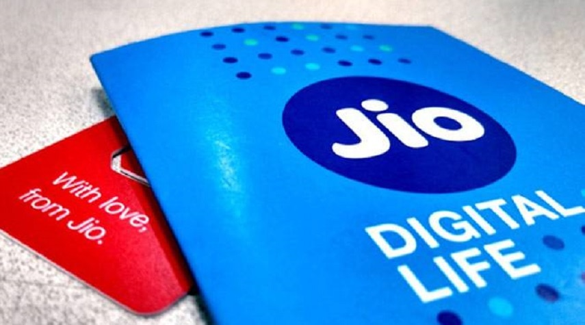 3-jio phone will get facebook app from february 14