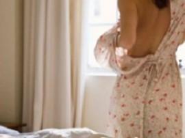 અમદાવાદ: 'તને પ્રેમ કરું છું' કહીને ટીચર યુવતીને બાથરૂમમાં લઈ ગયો ને બન્નેના કપડાં કાઢી નાખ્યા...! જાણો વિગત