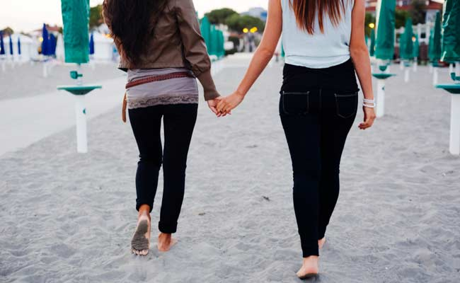 6-Lesbian-relations-with-between-and-sister-in-law-in-Ahmedabad