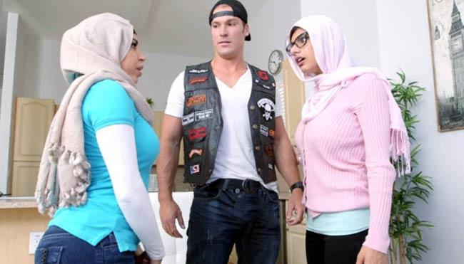 mian-khalifa-hijab_650_010715054141