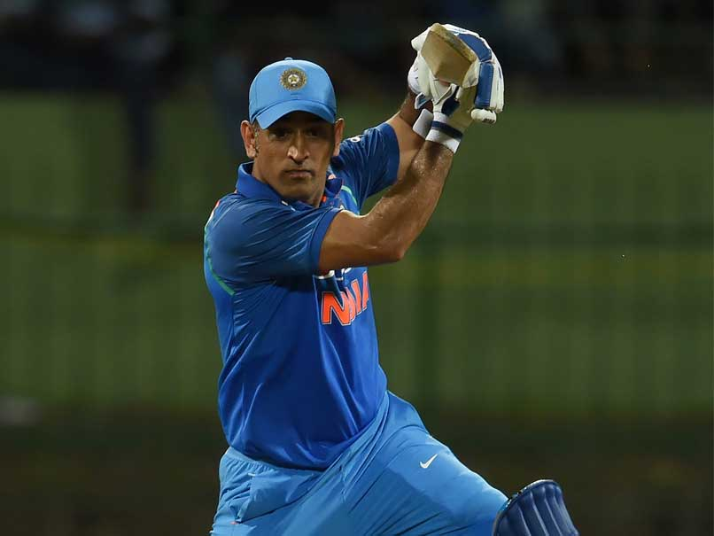 1-2nd-ODI-Bhuvneshwar-Dhoni-help-India-beat-Sri-Lanka-by-three-wickets