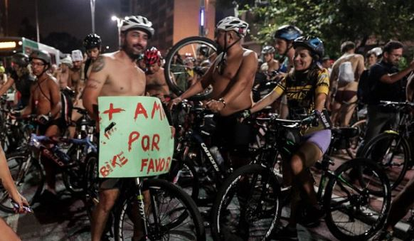 2-Sao-Paulo-protests-hit-streets-naked-cyclist-deaths-protest