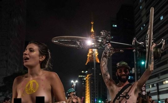 5-Sao-Paulo-protests-hit-streets-naked-cyclist-deaths-protest