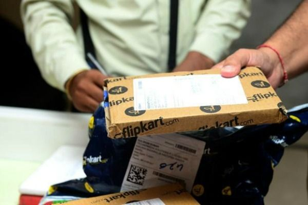 3-10th-failed-delivery-boy-duped-amazon-1-crore