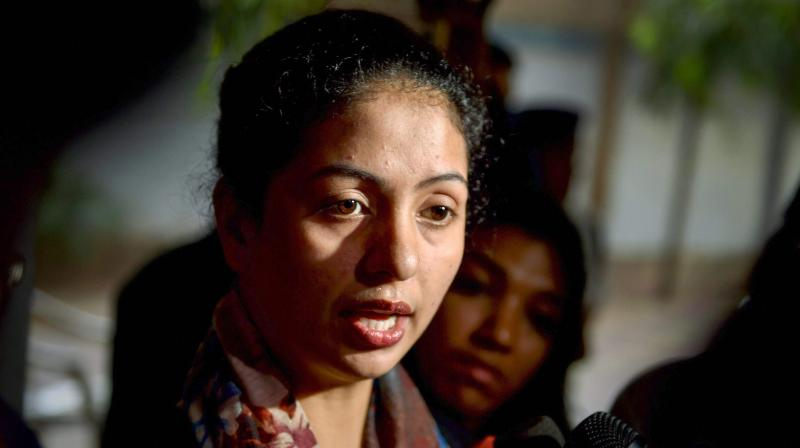 2-mohammed-shami-s-wife-hasin-jahan-attack-on-media-in-kolkata