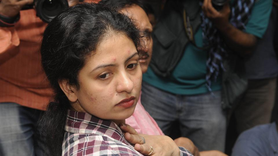 4.-mohammed-shami-s-wife-hasin-jahan-attack-on-media-in-kolkata