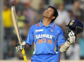 ક્રિકેટના મેદાનમાં ભલભલા બોલરોના છોતરા કાઢી નાંખનાર આ ભારતીય ક્રિકેટર ટૂ વ્હીલર વાહનચાલકોને જોઈ કેમ ડરી જાય છે, જાણો કારણ
