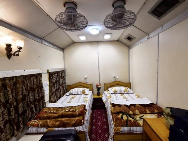 2-indian-railway-opens-its-vip-saloon-services-for-common-passengers