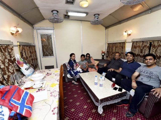 5-indian-railway-opens-its-vip-saloon-services-for-common-passengers