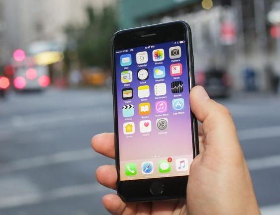 iPhones-01
